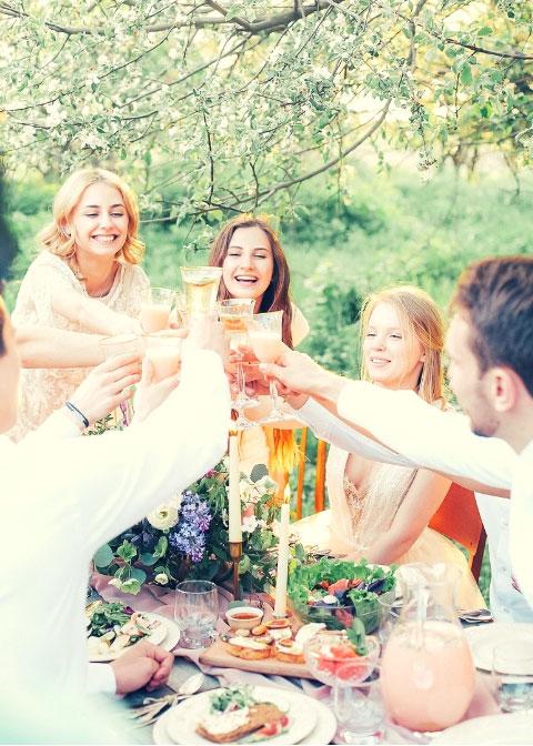 Foodtruck op je familiefeest, verjaardag, trouwfeest, communie, gezonde salades en andere warme gerechten met veel groenten