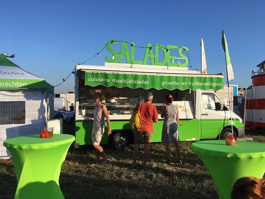 Foodtruck Yolomi op Dranouterfestival. Yolomi Catering en Foodtrucks - Ieper, Kortrijk, Diksmuide, Veurne - Salades en gezonde voeding